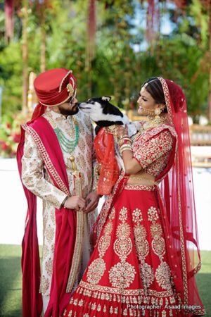 Perfect Indian bride and groom outdoor photo session.