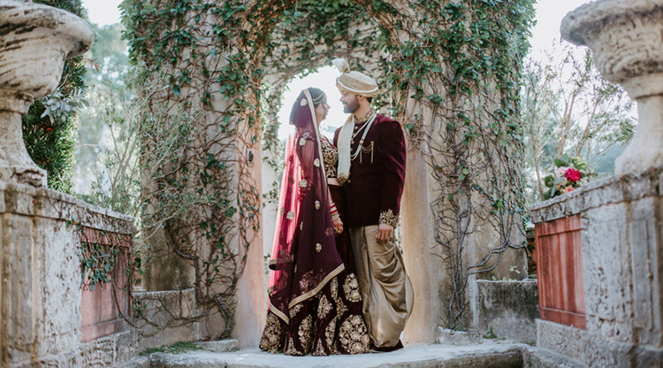 Dazzling Indian Couple's Photo Sesssion