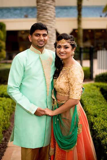 Lovely Indian Lovebirds Capture