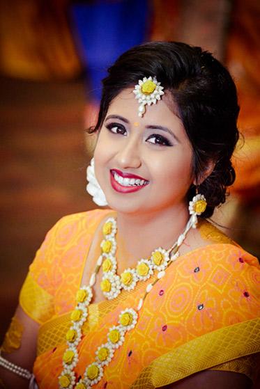 Indian Bride wedding flower Jwellery in Haldi Ceremony
