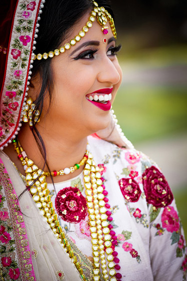 Graceful Indian Bride Photo