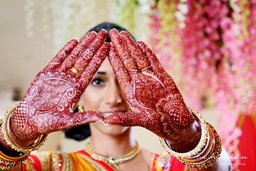 Beautiful Detailed Mehendi of Indian Bride