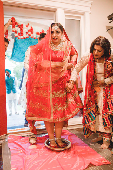 Groom's Family welcome Indian Birde at their home