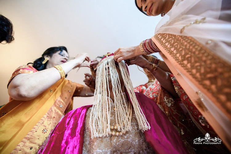 Groom Parents tie Sahera to Indian Groom's Head