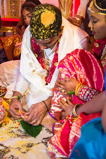 In Hindu tradition brides wear their wedding rings on their feet, known as Bichiya.