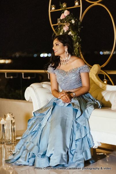 Awe-aspiring Indian bride