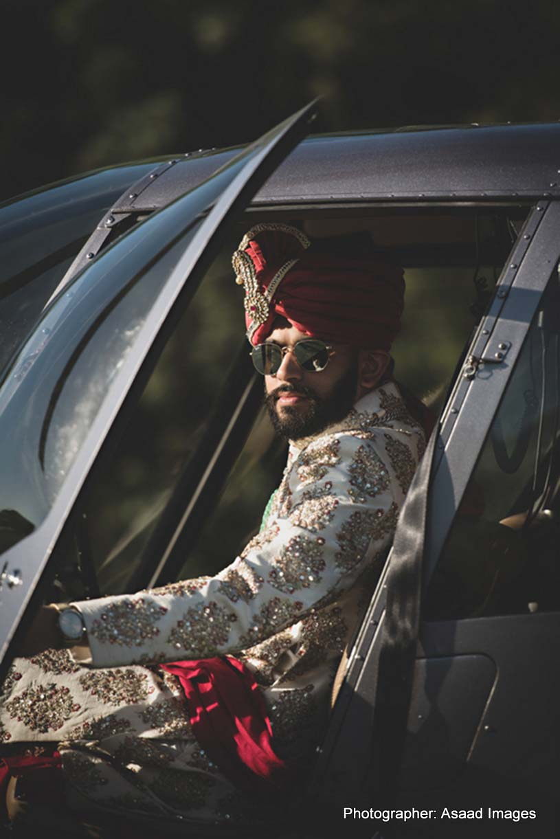 Indian Groom Arrived from Helicopter Capture