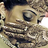 How To Choose A Bridal Mehndi Artist Title Page Ftr Img