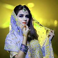 shallow-focus-photography-of-woman-Ftr-img