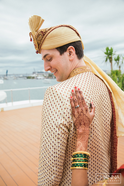 Groom turn around for first look of his to be wife