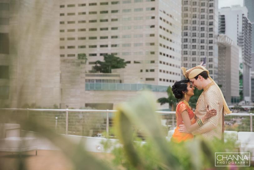 Most romantic Indian wedding couple capture