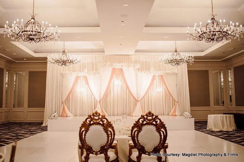Awe-aspiring wedding decor by Blissful Celebrations